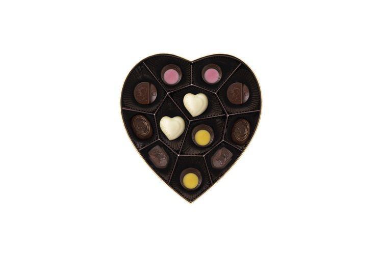 金裝心型巧克力禮盒12顆裝1,370元。圖/GODIVA提供
