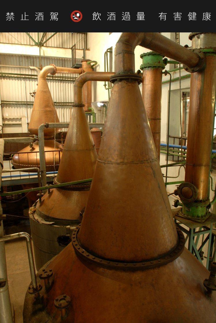 雅沐特舊酒廠蒸餾器。圖/豪邁國際提供。 提醒您:禁止酒駕 飲酒過量有礙健康。