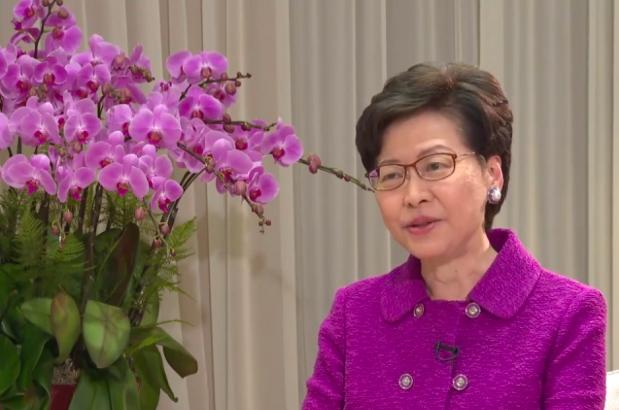 香港特首林鄭月娥感謝大陸中央提出完善香港選舉制度,目前時間表是未來12個月內必須完成所有工作。(新浪微博照片)