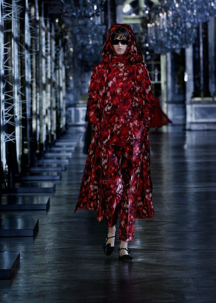秋冬季多套服裝的印花,來自品牌五○年代工匠Andrée Brossin de M...
