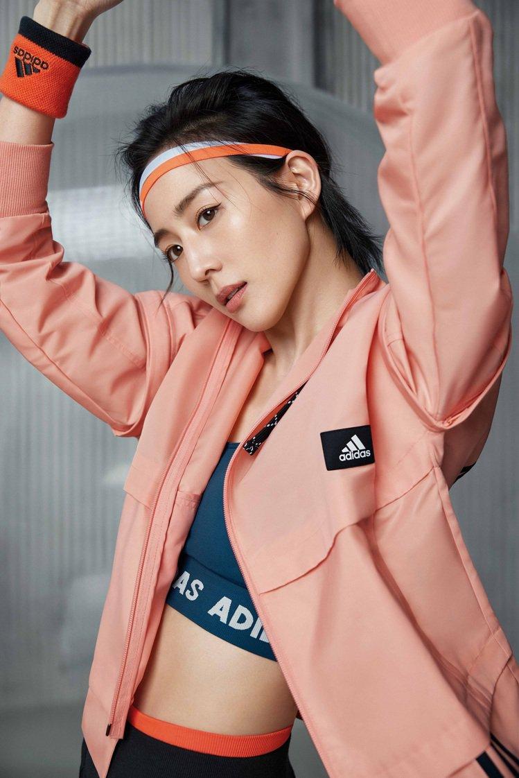 張鈞甯率先演繹adidas推出全新女子運動裝備系列,號召新時代女性共同透過運動表...