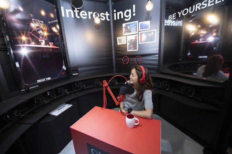 百靈果News凱莉則與YYsports竹科概念店合作,一同呈現「#YOU換妳展現...