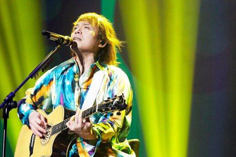 伍佰&China Blue在3年前展開「Rock Star」巡演,2019年移師高雄巨蛋,台北場受疫情影響延至今年,2場開賣立即秒殺,面對粉絲聲聲期盼,他宣布9月11日再度重返港都舉辦安可場...