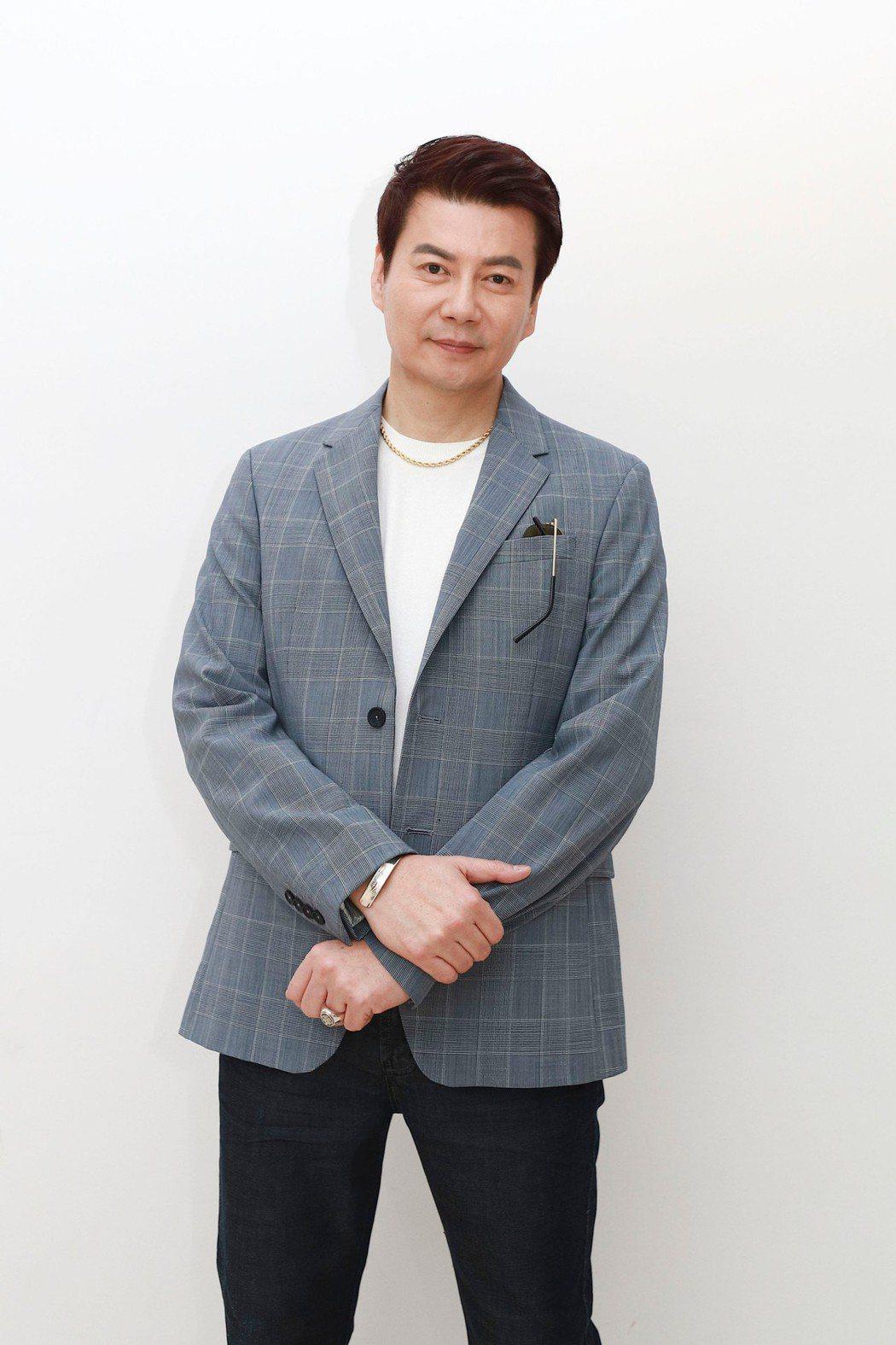 倪齊民暌違5年回歸民視8點檔,在「多情城市」演出建設公司老闆。圖/民視提供