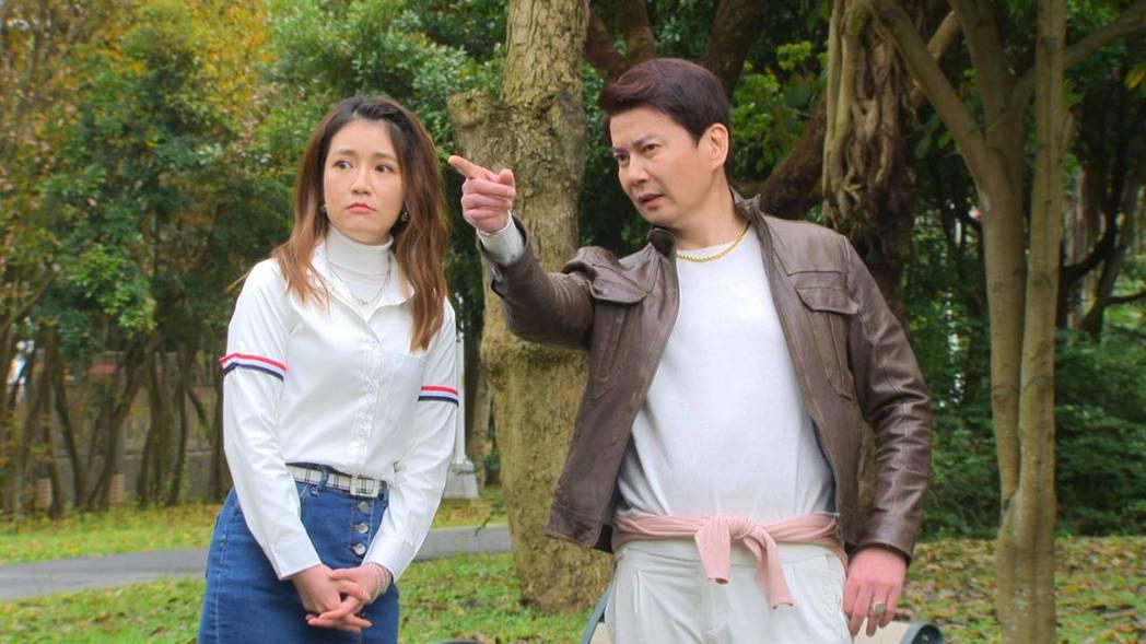 倪齊民(右)加入「多情城市」,是郭亞棠的「鳳梨叔叔」。圖/民視提供