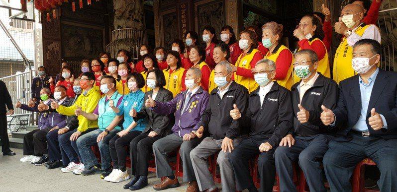 總統蔡英文今天到台中神岡順濟宮參拜。記者游振昇/攝影