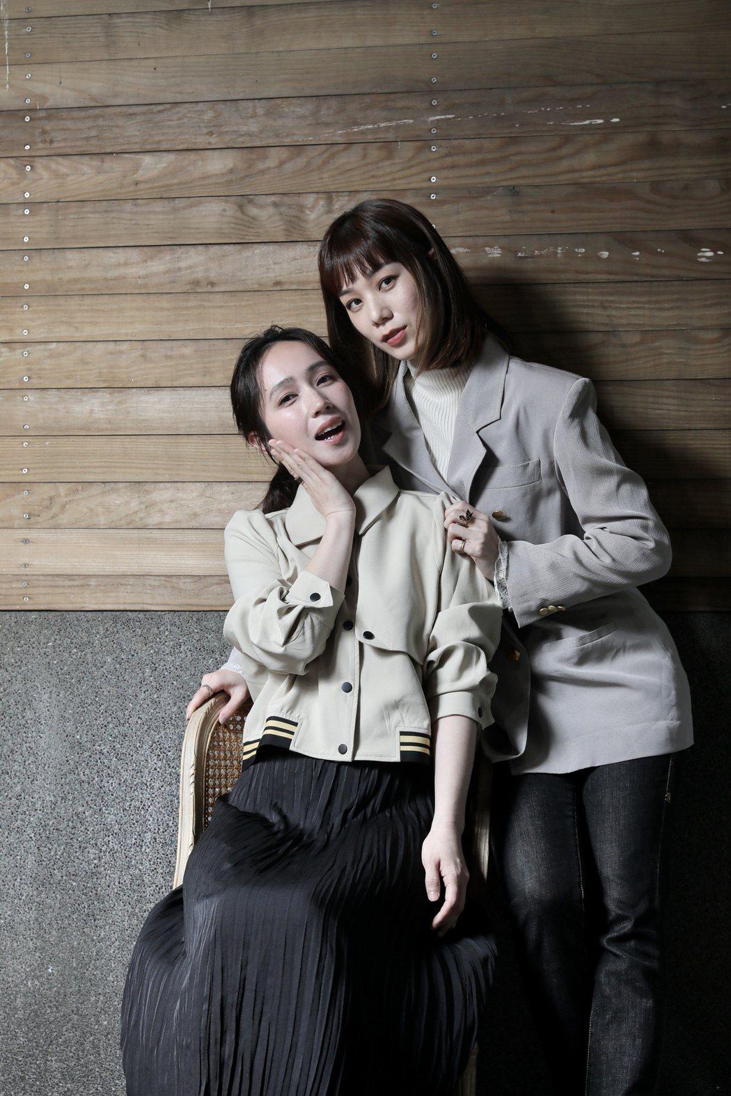涵冷娜、小薰在「揭大歡喜」扮演情侶。記者李政龍/攝影