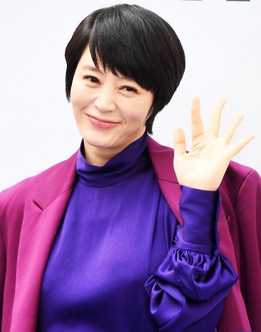影后金惠秀則志願擔任電影「盡孝的滋味」宣傳大使,呼籲觀眾盡孝要及時。圖/海鵬提供