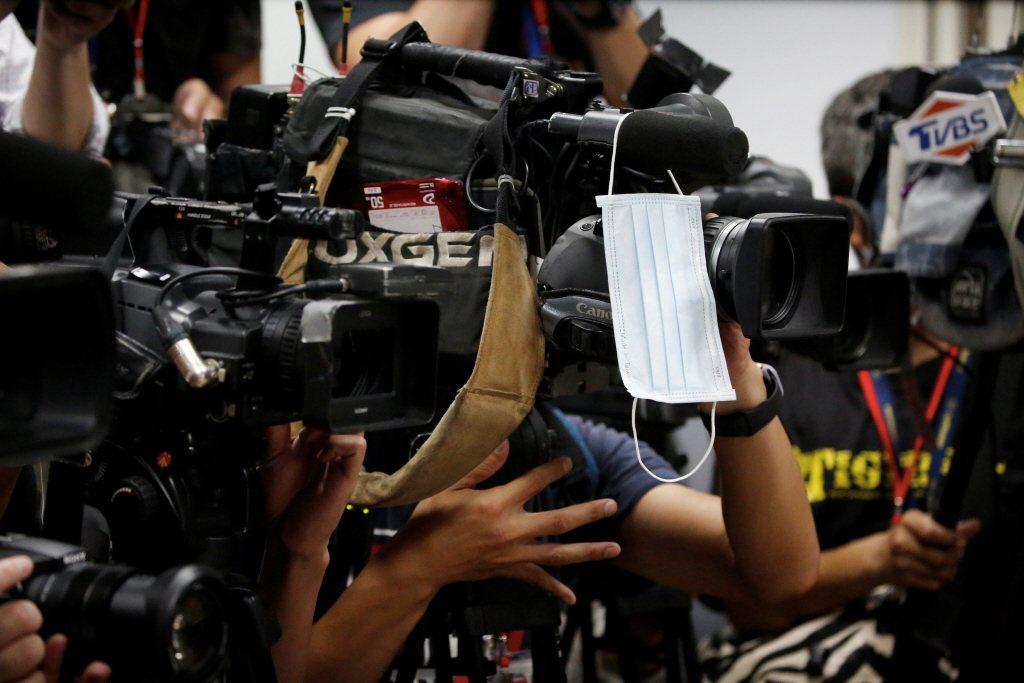 這媒體52頻道引發的三方代理人戰爭不斷,大家反而忽略了,真正的主角是讓民眾滿意的新聞台內容。示意圖。 圖/路透社
