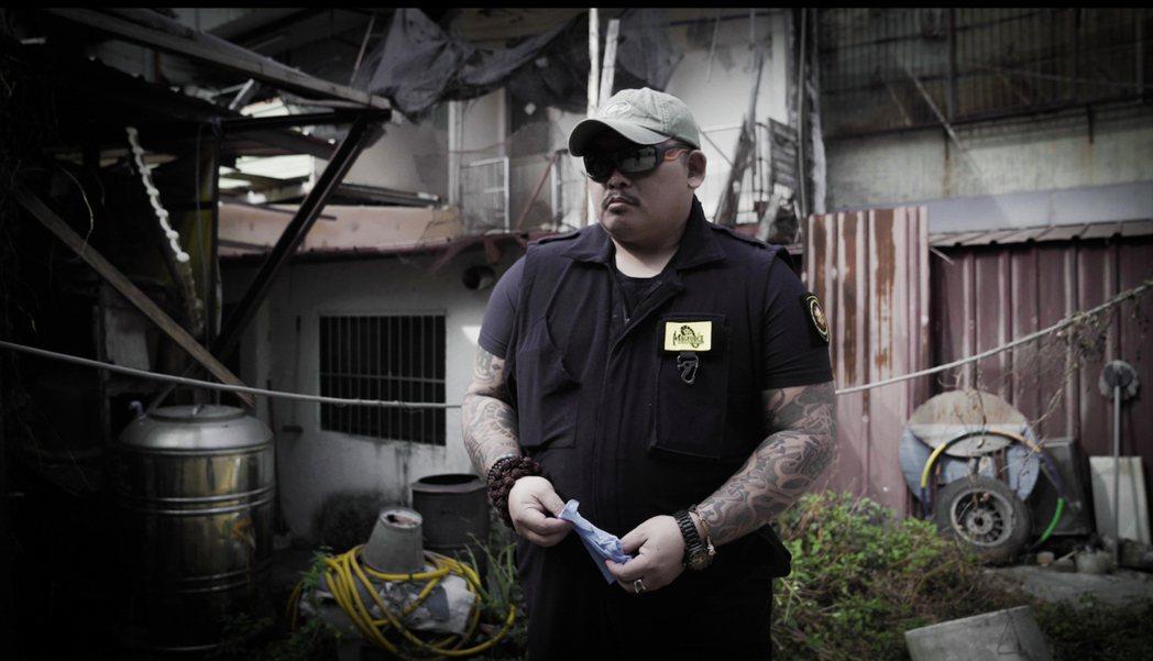 金馬導演楊力州監製的「怪胎系列」紀錄片9日晚間舉行首映記者會,其中紀錄片「動保蝙