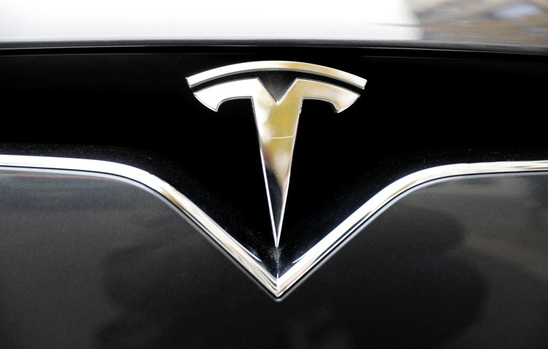 LG能源解決方案立下宏大目標,將在2023年為電動車廠特斯拉製造先進電池,正考慮前往美國和歐洲設廠。路透