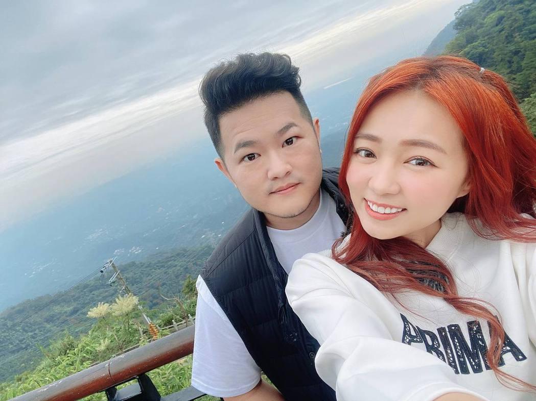 詹子晴和老公結婚不久,兩人十分恩愛。圖/詹子晴臉書