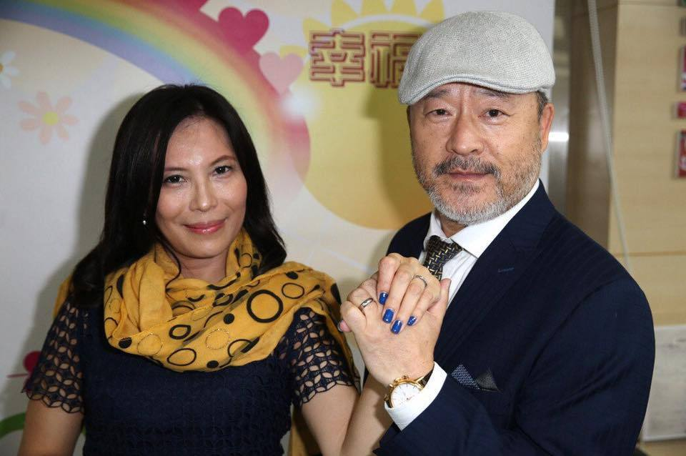 班鐵翔和老婆挺過官司風暴。圖/摘自臉書