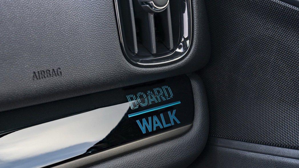 內裝飾板上之Boardwalk Edition專屬徽飾,展現英倫工藝對細節之講究...