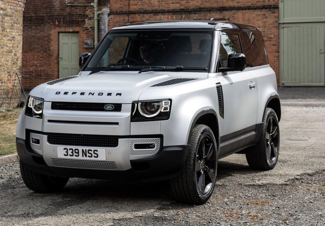 新的Defender轉變為較都會化的外型。 摘自Land Rover