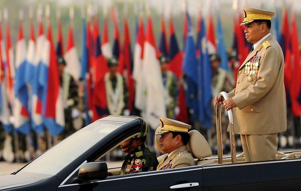 軍事強人丹瑞將軍在1992年接任,展開長達19年的獨裁統治。圖為丹瑞將軍在201...