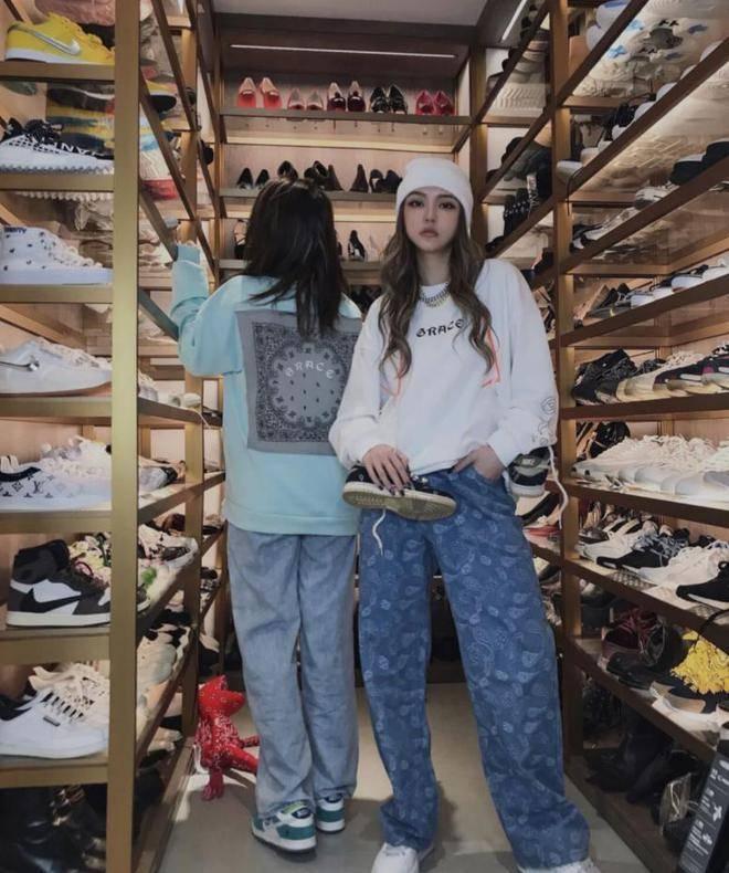 周揚青收藏的名牌鞋可以買間北京房。圖/摘自微博