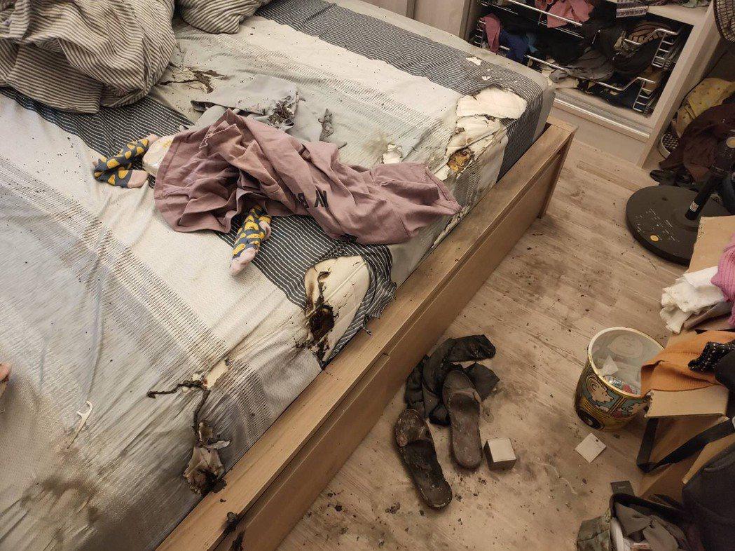 台中市豐原區一棟社區大樓清晨6時許發生火警,屋內廚房和臥房都有燃燒過的痕跡。圖/...