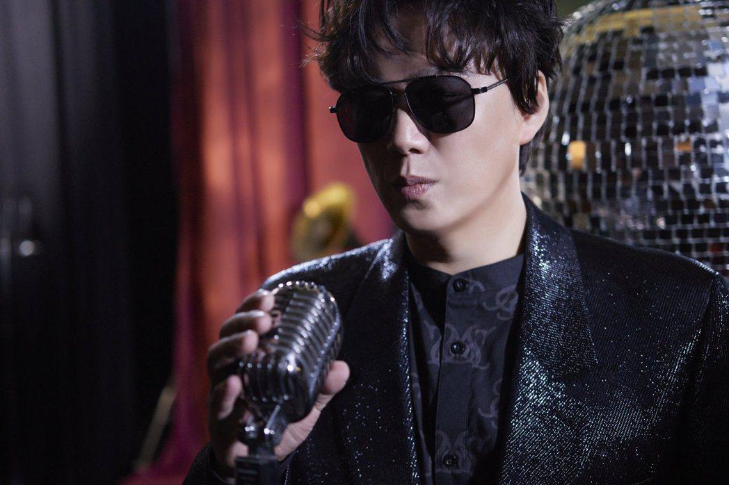 蕭煌奇推出全新專輯「舞台」。圖/環球音樂提供