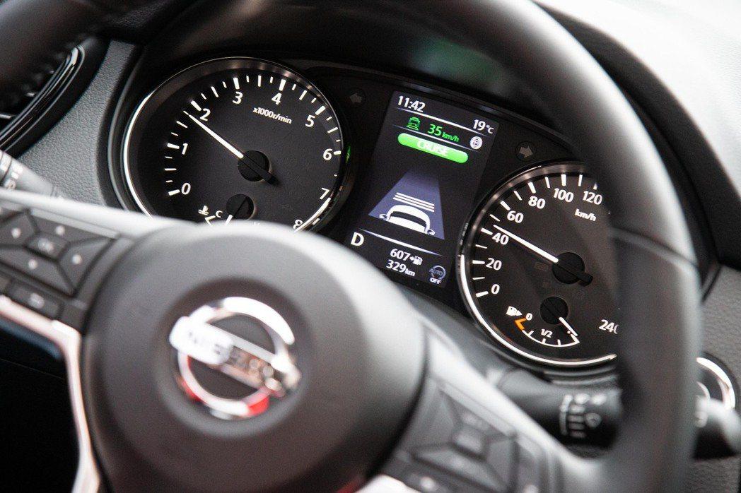 ICC智慧型定速系統相當好用,更可以有效分擔駕駛人壓力。 記者陳立凱/攝影