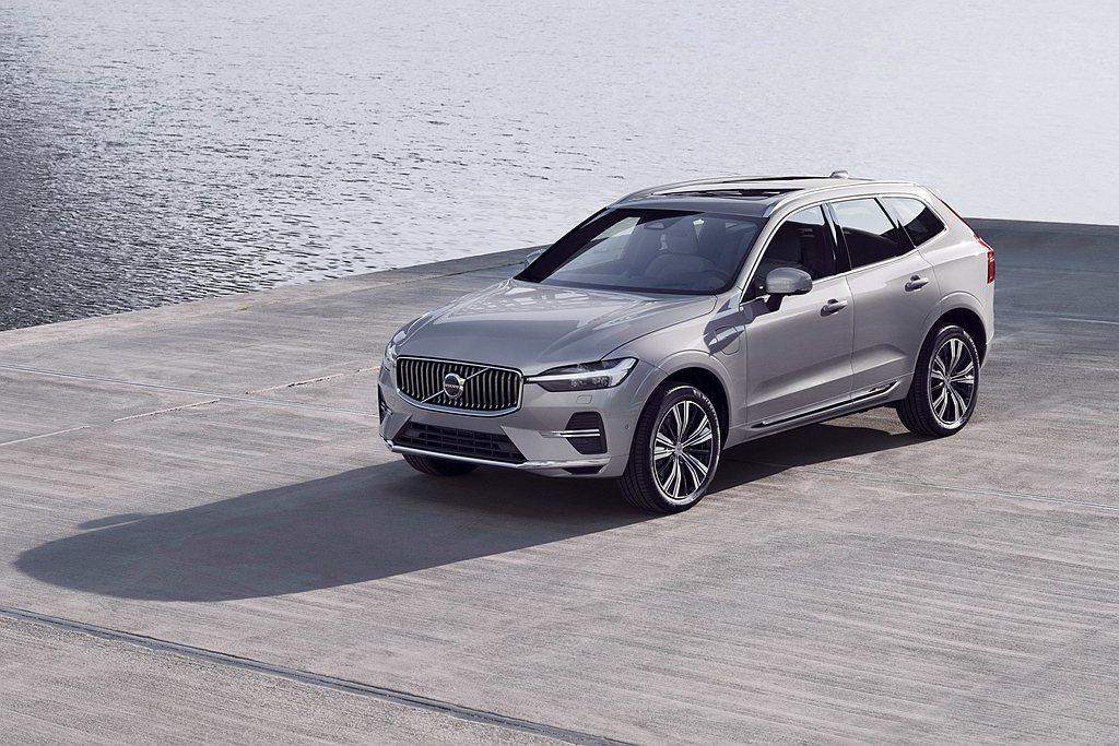 Volvo Cars針對旗下熱賣的中型豪華休旅XC60推出小改款車型。 圖/Vo...