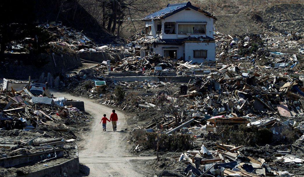 圖為2011年4月5日震災後的岩手縣宮古市。 圖/路透社