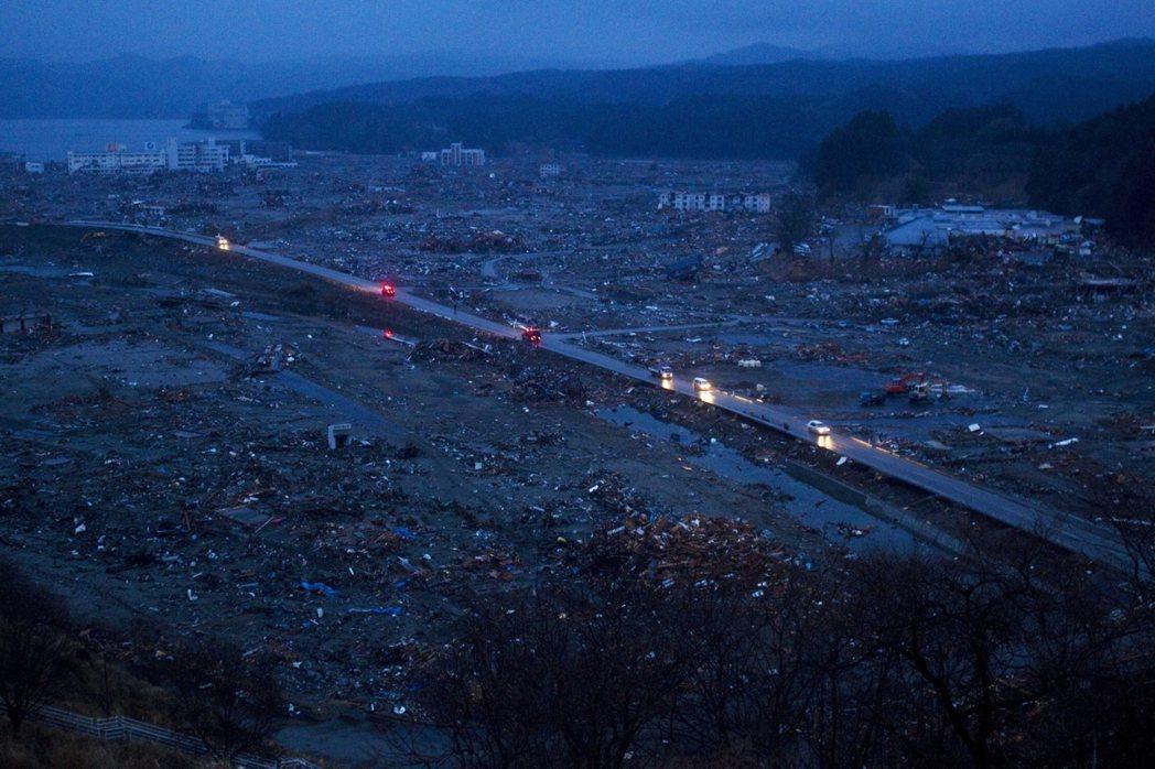 日本對於人死後世界的「他界觀」本來就是一片荒蕪而充滿混沌的想像。圖為2011年3...