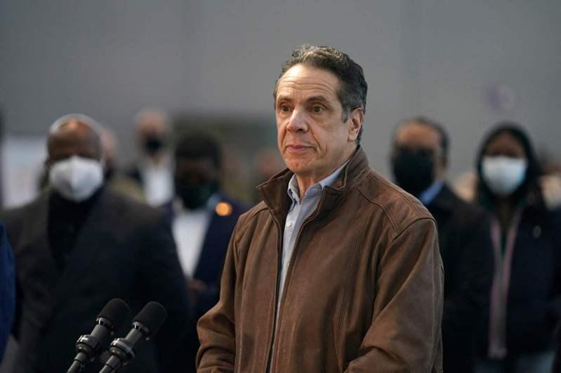 美國紐約州長古莫遭6名女性指控性騷擾或做出不當行為,紐約州眾議會議長席斯堤今天表示,已授權司法委員會對此展開「彈劾調查」。 法新社