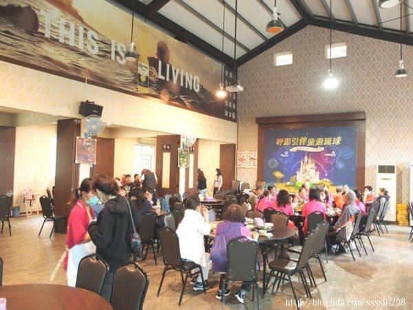 雖已過中午用餐時段,現場還有十來桌的客人正在大快朵頤美味佳肴。