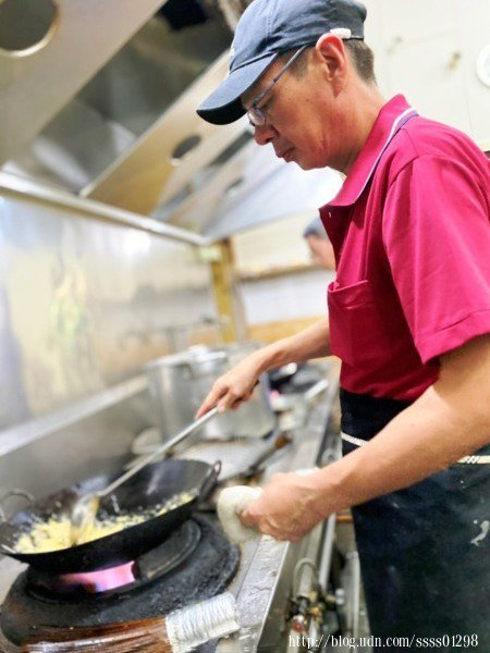 大廚擁有30多年的料理資歷,從民國78年開始投入餐飲業,多年來深耕新竹地區,在當地是位知名資深的師傅。