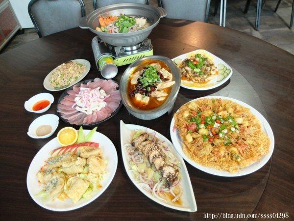 一整桌豪華又豐盛的佳餚,山味與海味通通吃得到!