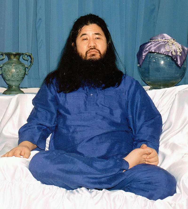以麻原彰晃為首的日本奧姆真理教,對平民發動無差別化學武器恐怖攻擊。法新社