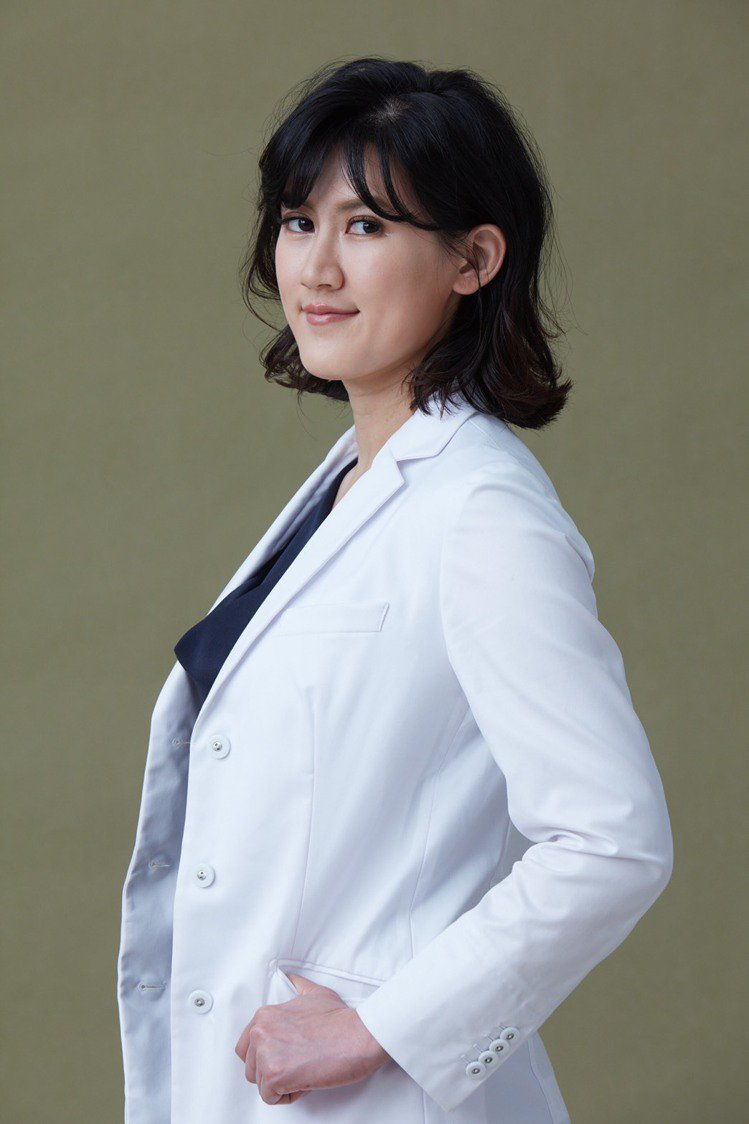針對運動內衣的挑選,整型外科專科醫師賴雅薇提醒,穿「錯」比不穿還可怕。圖/MOL...