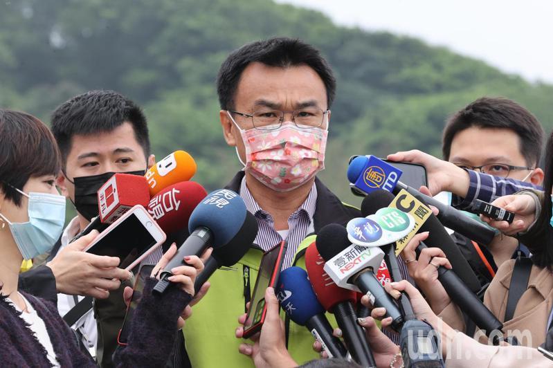 農委會主委陳吉仲受訪時表示:已經接到東京奧委會的來信,台灣現有包括香蕉、鳳梨、火龍果以及芒果等4種水果,可以進軍今年東京奧運,在奧運場合裡面,提供給所有的選手。記者許正宏/攝影