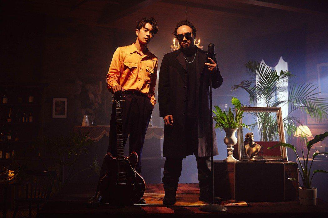 劉家凱(左)solo推出單曲,邀來Matzka唱出已婚男士的生存法則。圖/環球提...