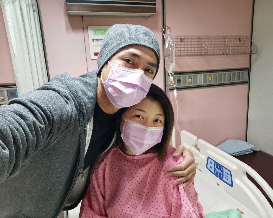 莊凱勛和老婆小安迎接女兒誕生。圖/摘自臉書