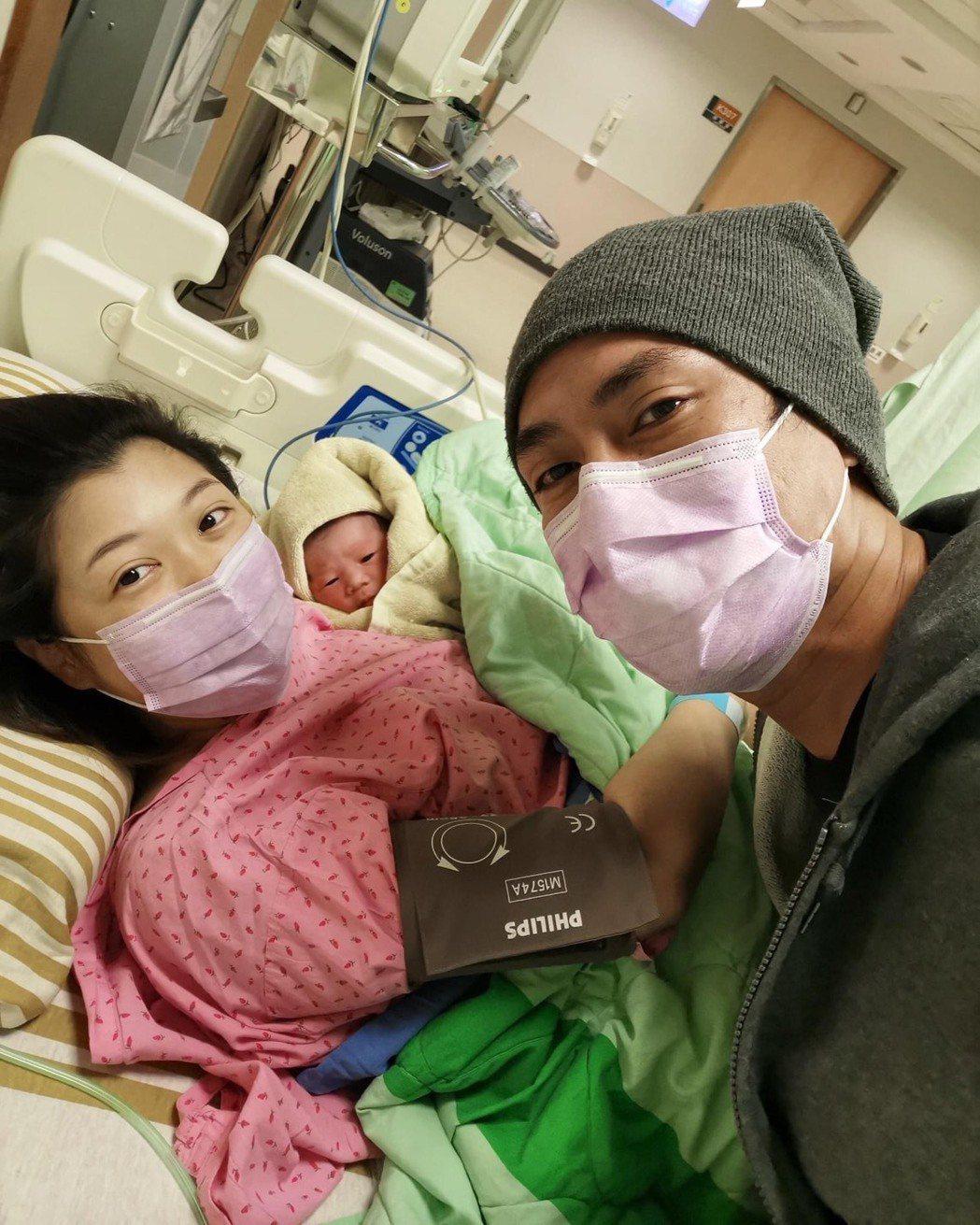 莊凱勛和老婆小安喜迎女兒Luna誕生。圖/摘自臉書