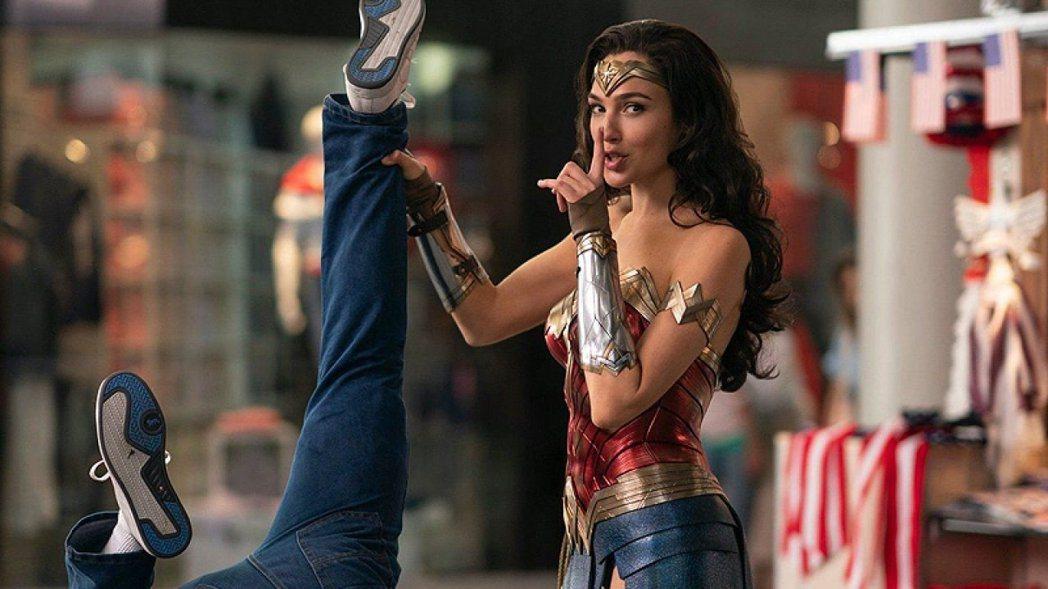「神力女超人1984」不幸被金酸莓獎青睞。圖/摘自imdb
