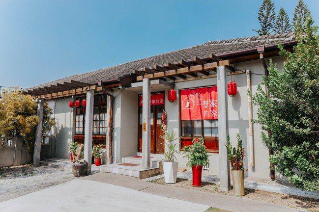勝利星村已有逾50個品牌商家進駐,這家四川菜也很受歡迎。記者吳致碩/攝影