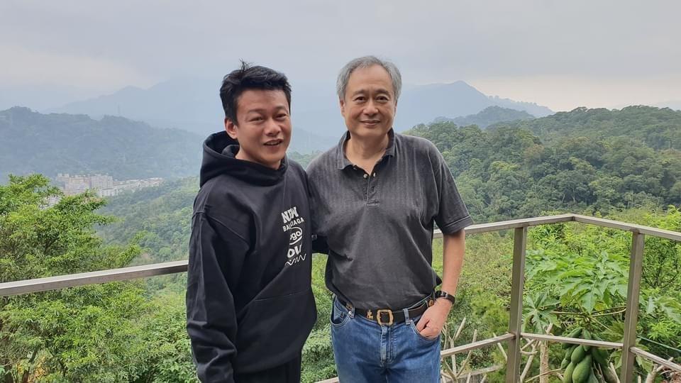 李安上山探訪李康生,並開心合影。圖/摘自李康生臉書