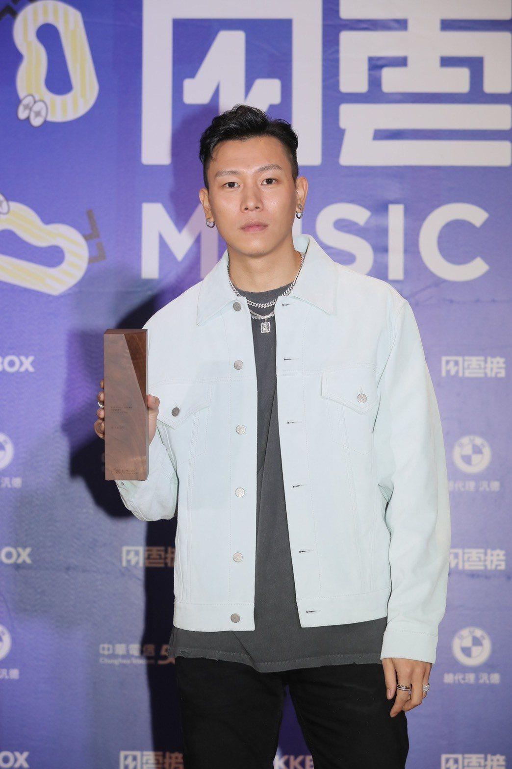 E.SO今為KKBOX風雲榜頒獎典禮開場演出。記者李政龍/攝影