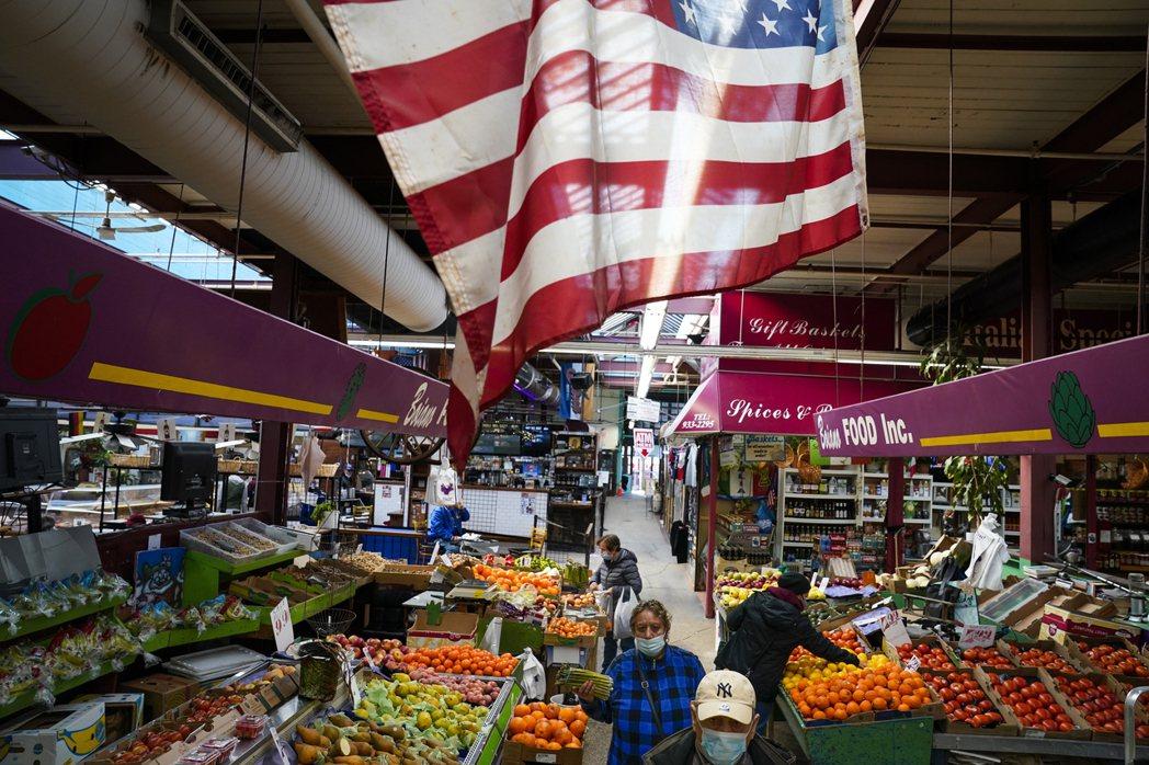 CNN報導指出,美國今年經濟成長率有望超越中國大陸。 (美聯社)