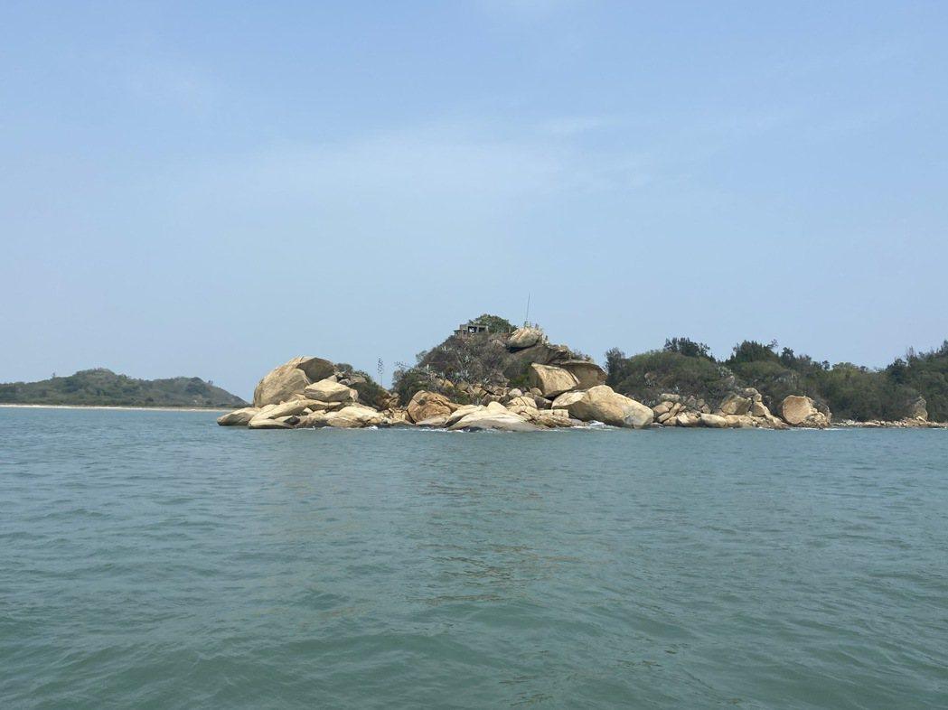海上遊程可收攬多個神祕島嶼。記者羅建怡/攝影