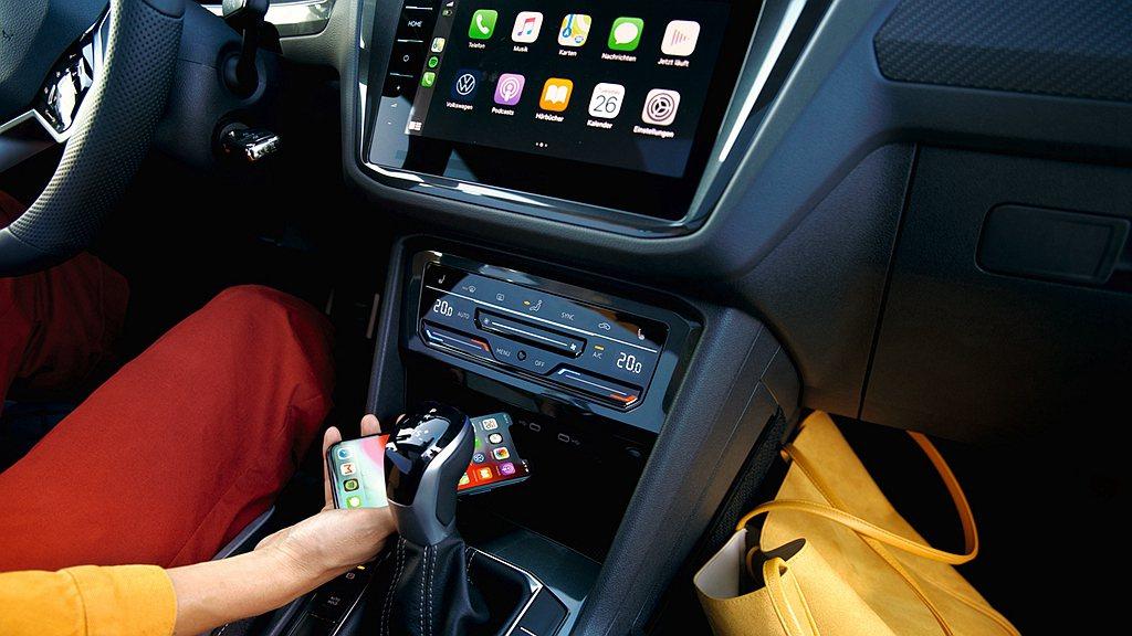 第三代MIB模組化資訊娛樂系統指定車款更可升級無線Apple CarPlay功能...