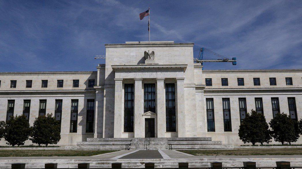 聯準會(Fed)最新動向最受矚目,債市波動可能隨之加劇,倘若殖利率進一步攀升,大...