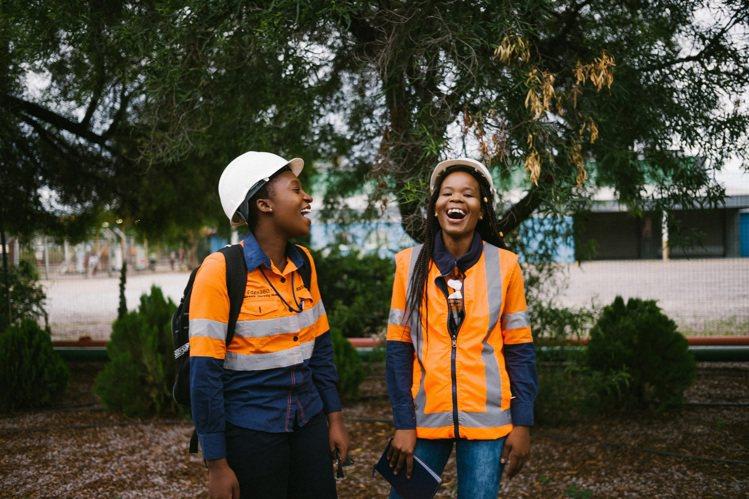 De Beers波札那吉瓦嫩礦區(Jwaneng)的員工。圖/De Beers提...
