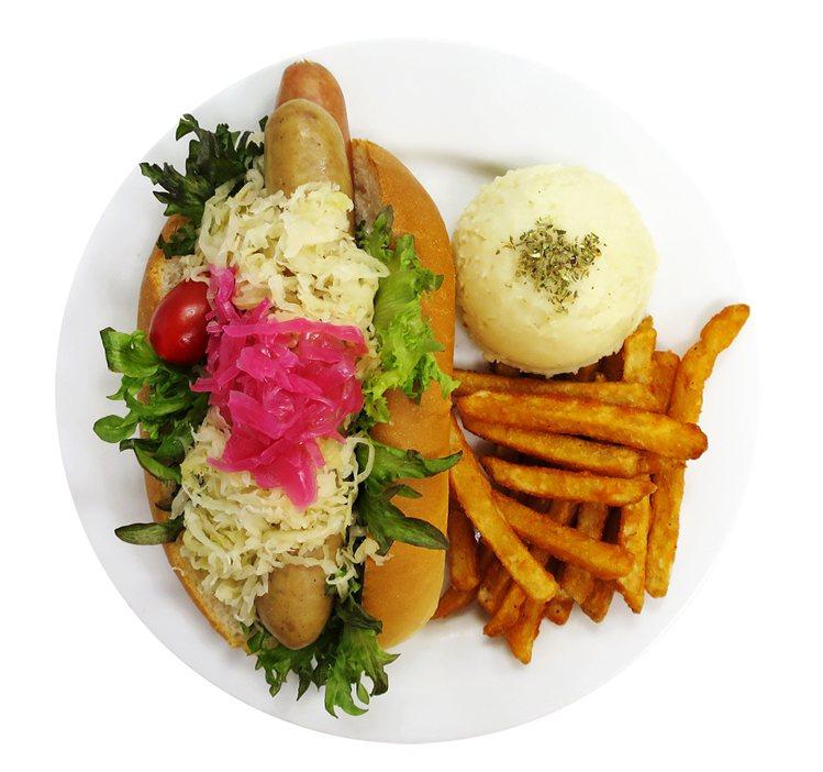 IKEA敦北店特別推出期間限定餐點「常常(腸腸)懷念餐」。圖/IKEA提供