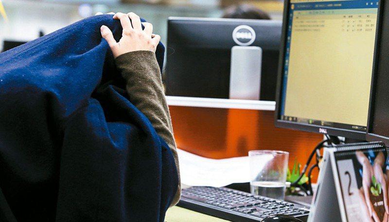 教育界人士表示,現在網路世界有許多看不到的「隱形霸凌」,身為師長也要重新省思如何教導孩子的方式。此為示意圖。圖/聯合報系資料照片