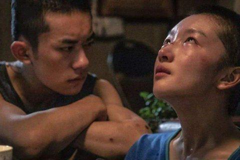 第93屆奧斯卡最佳國際電影,香港代表「少年的你」挺進最終入圍名單,為香港爭光!其實這不是首次有華語電影代表香港獲奧斯卡最佳外語片提名,1993年陳凱歌的「霸王別姬」也曾代表香港角逐奧斯卡最佳外語片。...