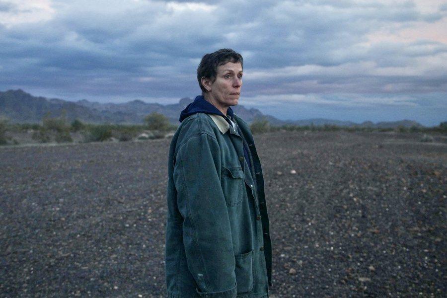 獎季氣勢最旺的《游牧人生》。圖為入圍女主角的法蘭西絲.麥朵曼。 圖/IMDb